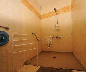 Salle de bain privative douche